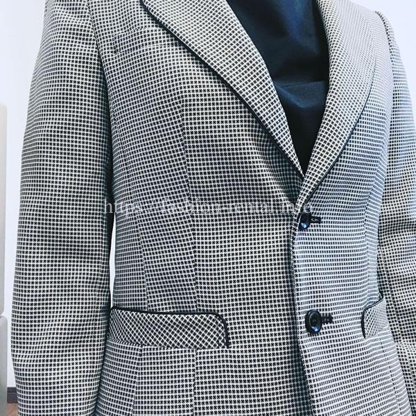 エアークローゼットでもジャケットをレンタルしてセレモニースーツの完成