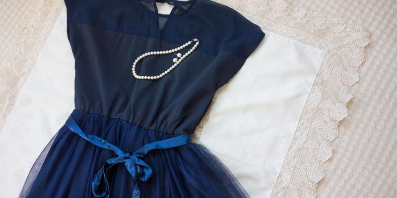 結婚式ってどんな服を着れば良い?