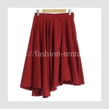 赤いアシンメトリースカート